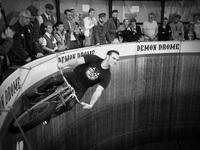 Điều khiển mô tô bay - nghề đùa giỡn với tử thần
