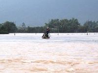 Miền Trung thiệt hại nặng do mưa lũ
