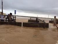 [VIDEO] Cận cảnh những tuyến đường ngập sâu trong nước lũ tại Quảng Bình