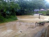 15 người thiệt mạng và mất tích vì mưa lũ kéo dài