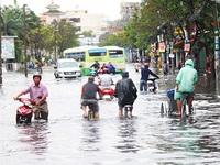 Mưa lớn gây ngập tại nhiều tỉnh, thành phía Nam