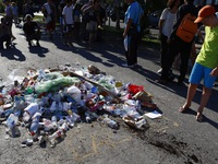 Pháp: Ném rác vào nơi kẻ tấn công Nice bị bắn chết để trút giận