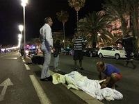 Pháp: Xe tải đâm vào đám đông, ít nhất 30 người thiệt mạng