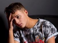 The X-Factor: Thí sinh bị tố bạo hành bạn gái cũ vẫn 'có cửa' trở lại cuộc thi