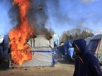 Căng thẳng gia tăng khi Chính phủ Pháp dỡ bỏ trại tị nạn tại Calais