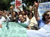 Pakistan thông qua luật chống hủ tục 'giết người vì danh dự'