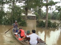 Mưa lũ Nam Trung Bộ giảm, thiệt hại tiếp tục gia tăng