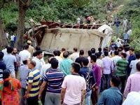 Ấn Độ: Con số thiệt mạng do tai nạn xe bus tăng lên 25 người