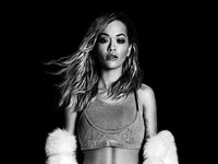 """America""""s Next Top Model: Rita Ora không thua gì mẫu chuyên nghiệp"""