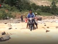 Nỗ lực cứu trợ thiệt hại mưa lũ vùng biên giới Quảng Nam