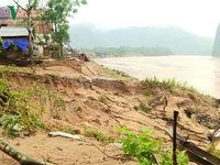 Sạt lở nghiêm trọng đôi bờ sông Gianh (Quảng Bình)