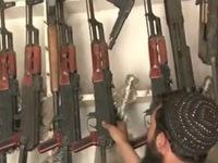 'Làng nghề' làm súng nhái giá rẻ ở Pakistan