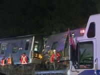 Tàu hỏa trật đường ray tại Mỹ, ít nhất 29 người bị thương