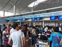 Sân bay Tân Sơn Nhất trục trặc hệ thống làm thủ tục
