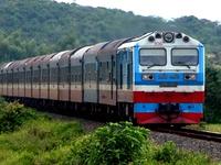 Ngành đường sắt vận chuyển miễn phí hàng cứu trợ tới miền Trung