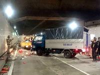 Xe tải mất lái tông 5 công nhân trong hầm Thủ Thiêm