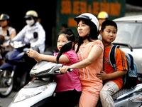 Chưa đến 50 trẻ em đội mũ bảo hiểm khi tham gia giao thông