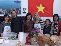 Việt Nam tham dự Hội chợ từ thiện Giáng sinh 2016 tại Slovakia