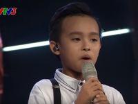 Hồ Văn Cường tự tin hát 'chay' trên sân khấu Vietnam Idol