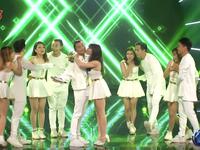 Vietnam Idol: Được hôn, được tát yêu và giành vé vào CK, Việt Thắng là thí sinh 'lãi' nhất!