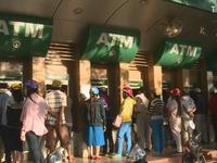 Khách hàng Vietcombank bị khóa thẻ do nguy cơ lộ tài liệu