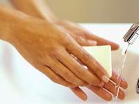 Bộ Y tế yêu cầu báo cáo về thành phần của xà phòng rửa tay tiệt trùng