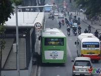 Tranh cãi về hiệu quả của xe bus nhanh BRT Hà Nội: Chưa có hồi kết