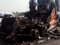 Xe container bốc cháy dữ dội trên cao tốc TP.HCM - Long Thành - Dầu Giây