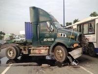 Tai nạn liên hoàn trên Xa lộ Hà Nội (TP.HCM)