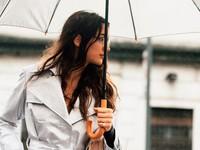 Trời mưa rét không thể thiếu những trang phục, phụ kiện này