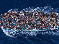3 tháng đầu năm 2017, 15.000 người di cư được cứu trên biển