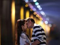Tuổi thanh xuân 2: Nụ hôn lãng mạn mất 2 ngày quay của Nhã Phương và Kang Tae Oh