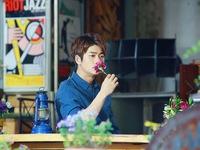 Những hình ảnh mới nhất của Kang Tae Oh sau Tuổi thanh xuân 2