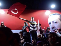 Thổ Nhĩ Kỳ: Các bên chia rẽ sau trưng cầu dân ý