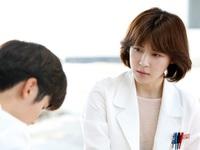 Chán làm đả nữ, Ha Ji Won 'lột xác' với hình ảnh bác sĩ trong phim truyền hình mới