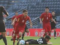 VIDEO: Xuân Trường kiến tạo, Công Phượng ghi bàn thứ 2 vào lưới U23 Thái Lan