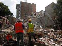 Động đất ở Mexico: Cứu sống 1 người từ đống đổ nát, hơn 200 người thiệt mạng
