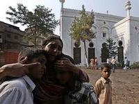 Afghanistan: Xe dân thường trúng bom của Taliban, 11 người thiệt mạng