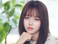 Kim So Hyun: Chưa từng hối hận khi chọn học tại nhà