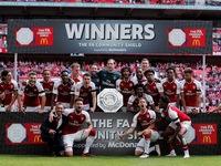 Arsenal giành Siêu Cúp Anh sau chiến thắng trên chấm luân lưu