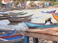 Hỗ trợ người dân Khánh Hòa bị thiệt hại do bão