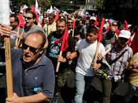 Hàng nghìn công nhân Hy Lạp biểu tình phản đối chính sách bán hàng kinh tế mới