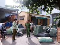 Bắt giữ 10 tấn hàng hóa Trung Quốc buôn lậu bằng đường sắt