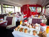 Trải nghiệm xe bus trà chiều ở London (Anh)