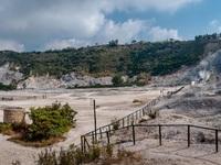 Siêu núi lửa Campi Flegrei ở Italy sắp phun trào