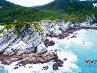 VTVTrip: Đắm chìm trong màu nước biển xanh biếc tại đảo Quan Lạn
