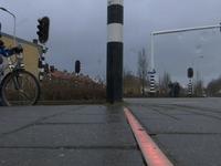 Lắp đèn tín hiệu giao thông... trên nền vỉa hè