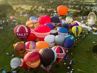 Chiêm ngưỡng lễ hội khinh khí cầu lớn nhất châu Âu