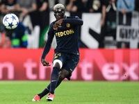 Xong vụ Lukaku, Man Utd lại tính 'thọc gậy bánh xe' với Chelsea