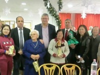 Người Việt tại Hungary làm từ thiện mùa Giáng sinh
